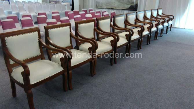 Kursi sofa dan Meja